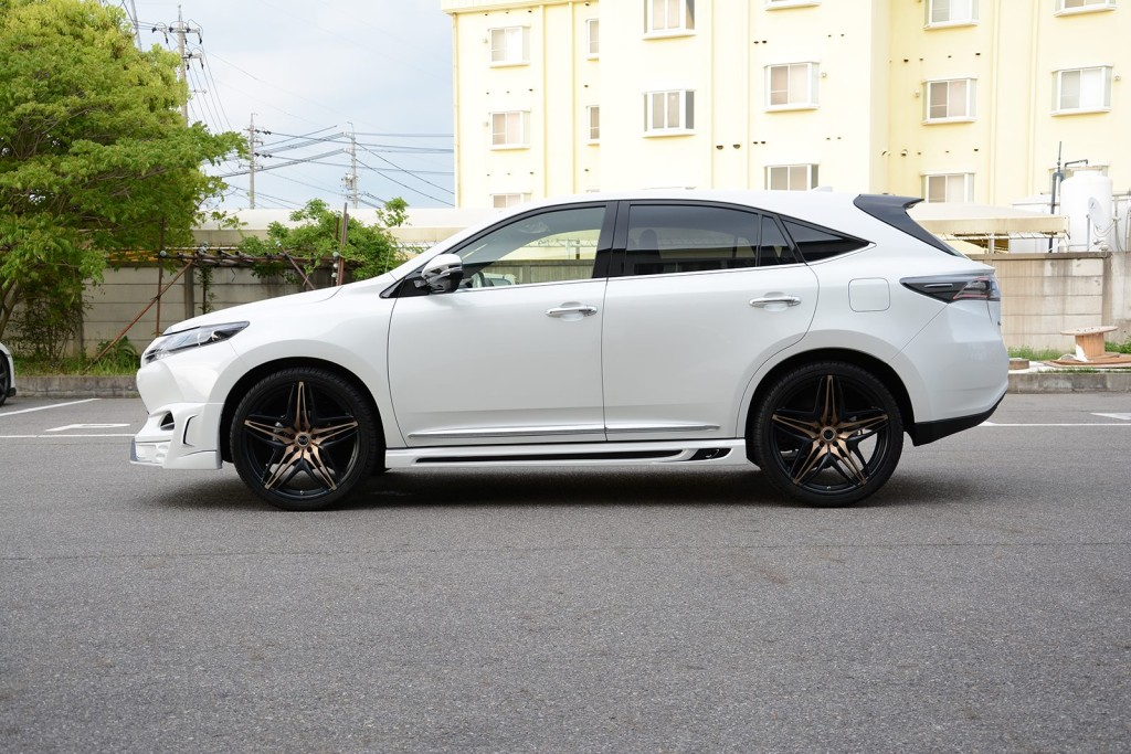 2015 Toyota Harrier Tuned By Rowen side