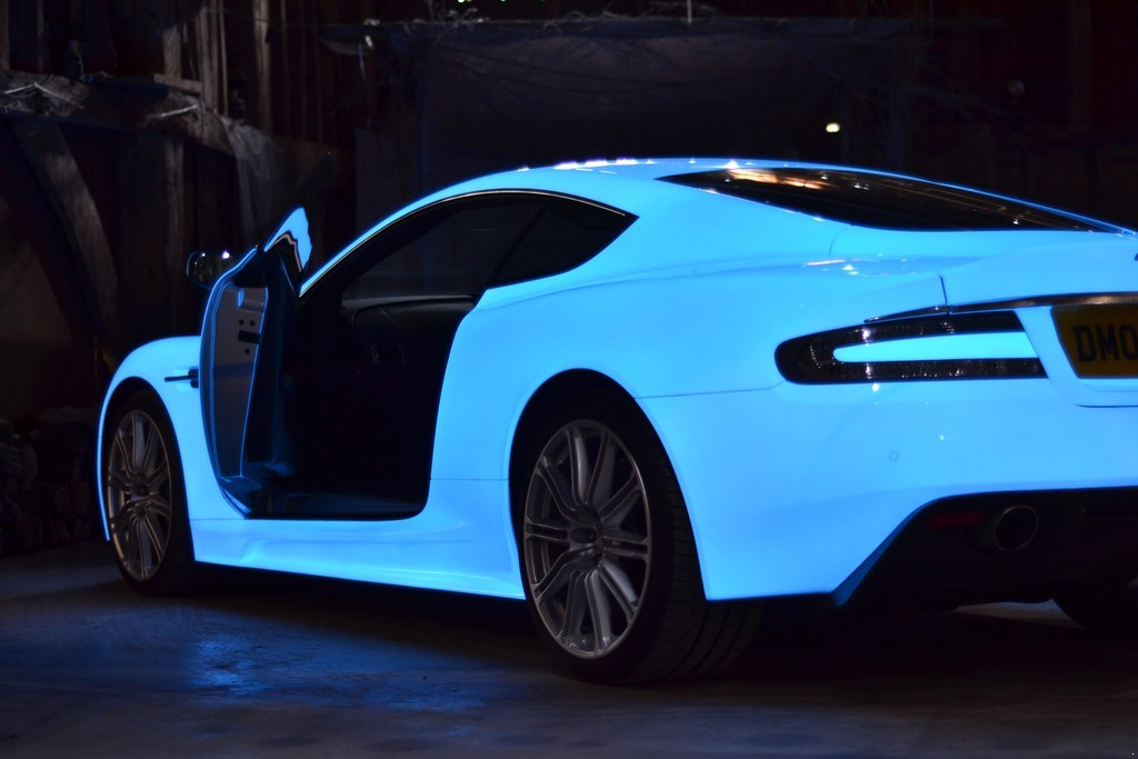 glow-in-the-dark-aston-martin-dbs-on-gumball-3000-rally-009