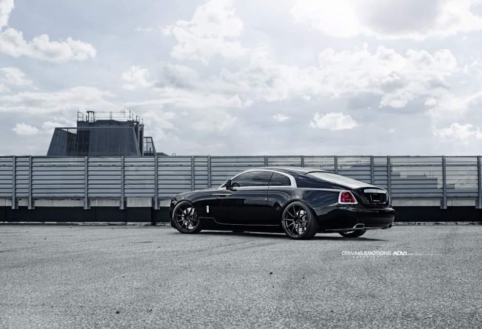 Drake-Rolls-Royce-Wraith-4