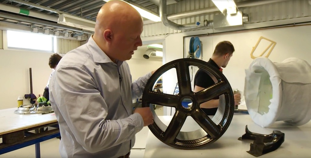 How Koenigsegg Make Their Own Carbon Fiber Wheels - 10