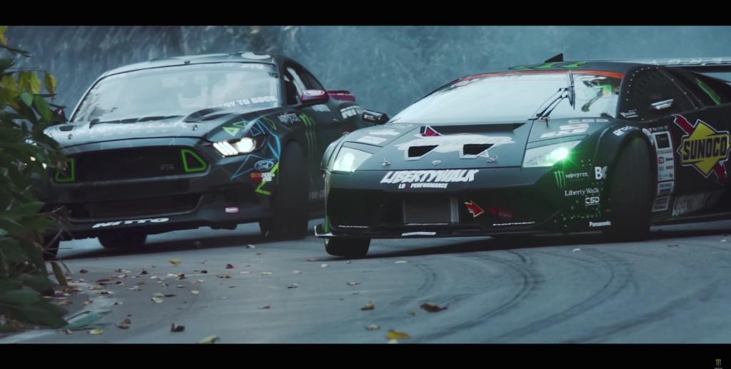 Lamborghini Murcielago vs Mustang RTR - 9