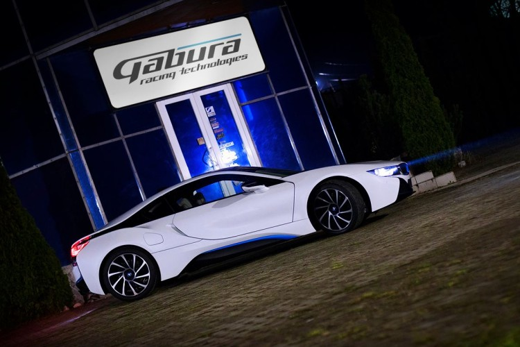 BMW-i8-V8-engine-Gabura-2-750x500