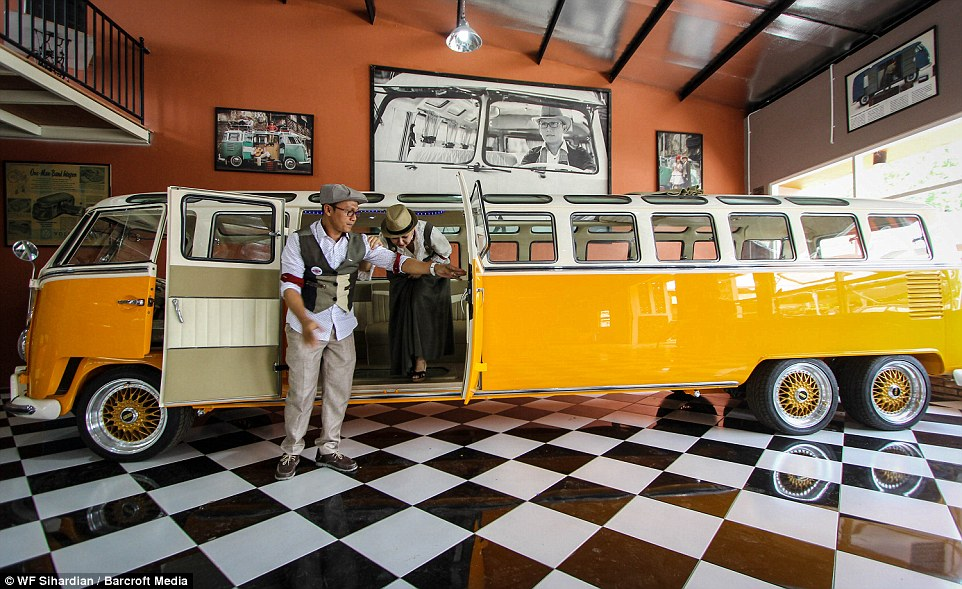 a-76-meters-long-volkswagen-kombi-is-probably-the-worlds-longest-hippie-wagon_3