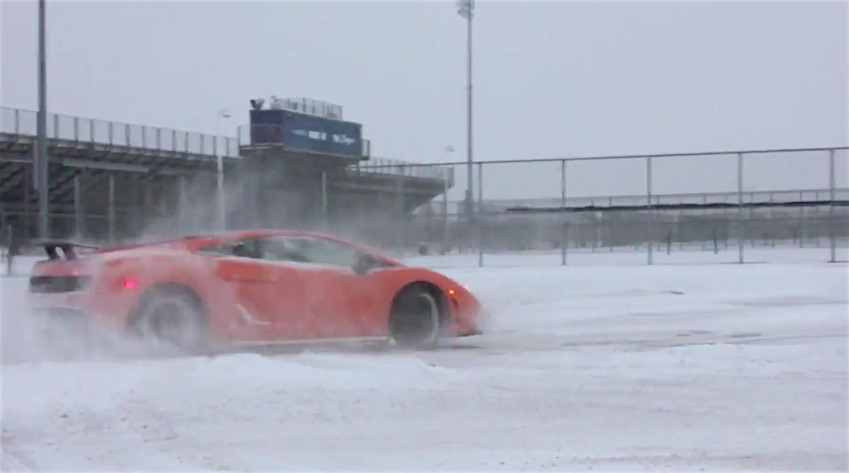 1500hp Gallardo Drifting In The Snow - 2