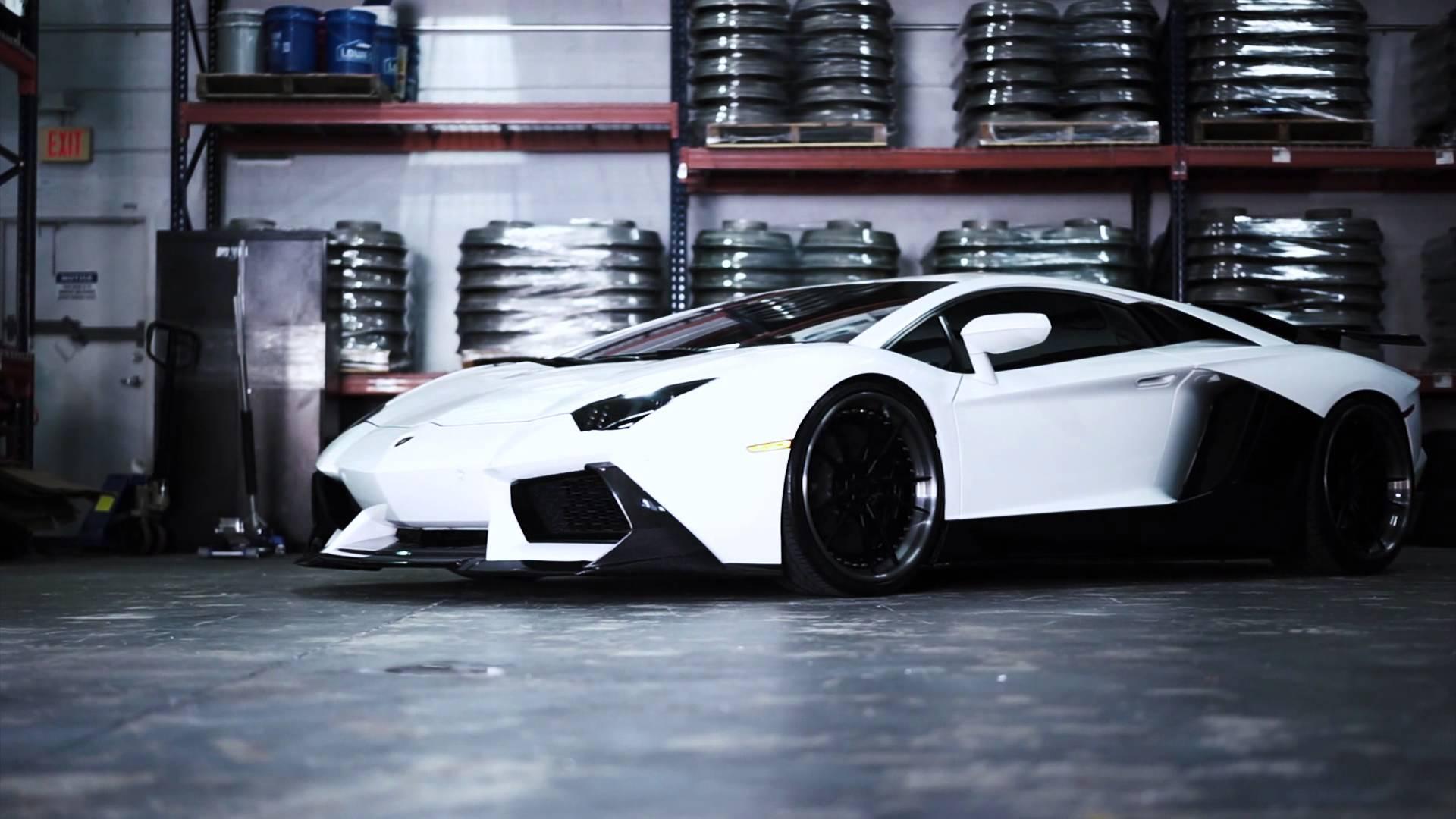 Face Melting Lamborghini Aventador - 4