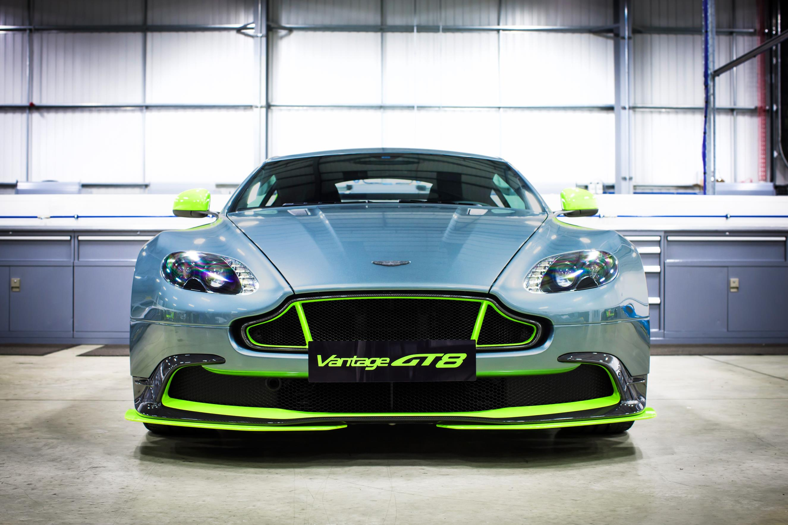 aston-martin-vantage-gt8-turns-the-v8-vantage-up-a-notch_4