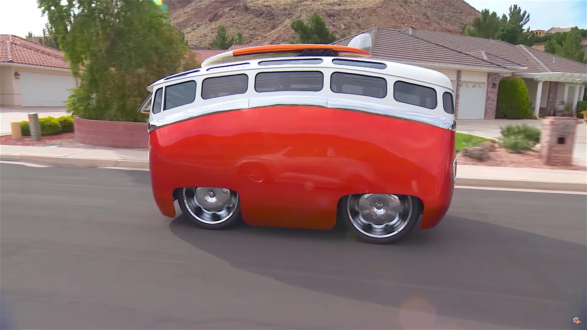 A Story of A VW Bus With Cartoon Customs Modification ...