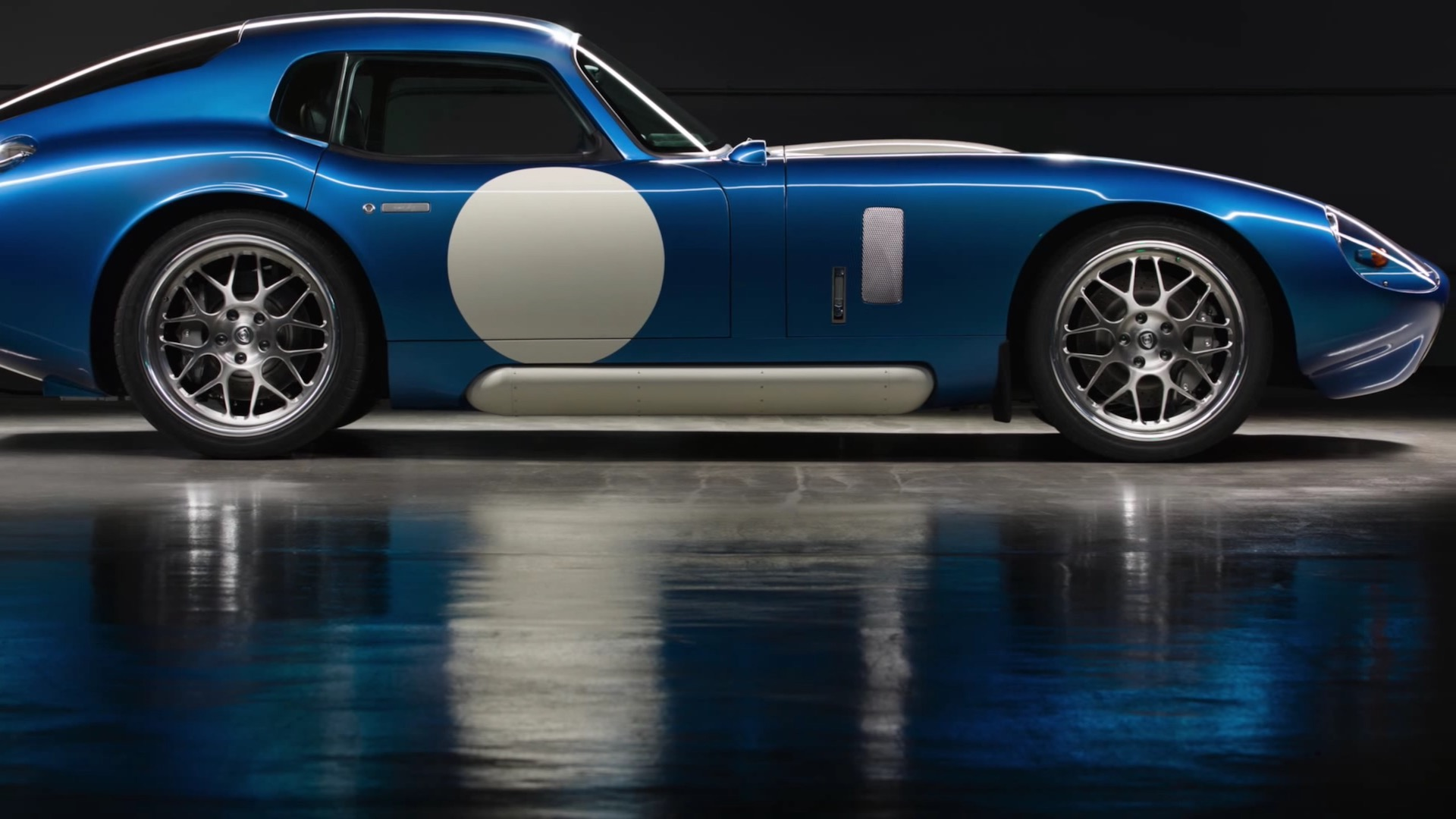 500 horsepower renovo coupe is the first america 39 s for 500 hp electric car motor